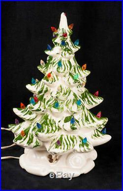 Vtg 70's Atlantic Mold 16 Ceramic Musical Green White Christmas Tree SEE VIDEO