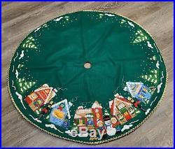 Vtg Bucilla Christmas Village Felt Applique 43 Tree Skirt Kit 83980 COMPLETED