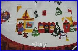 Vtg Bucilla SPARKLE CITY Felt Christmas Tree Skirt Kit 45 Round Sealed Village