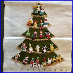 Vtg Hanging Advent Calendar Christmas Tree Homemade Felt 24 Ornaments Sequkns