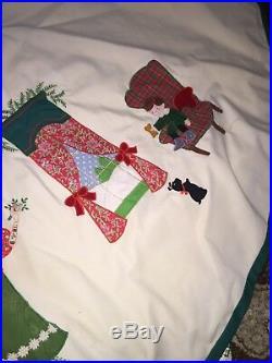 Vtg House of Hatten Christmas Tree Skirt Embroidered VICTORIAN FAMILY Era 80