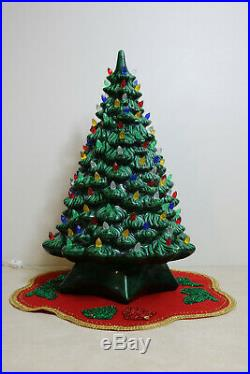 Vtg Lighted 2 Piece Holland Mold Ceramic Christmas Tree 20 Tons Of Bulbs