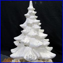 Vtg Lrg 17 White Ceramic Christmas Tree Frosty Pearl With Large Base Presents