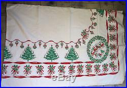 Vtg. MID CENTURY RED GOLD GREEN CHRISTMAS TREE ORNAMENTS TABLECLOTH 91 X 60